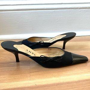 Vintage CHANEL Kitten Heels (37 1/2 EU) (6.5-7 US)
